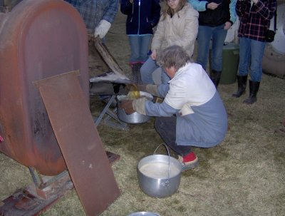 Emptying the sap into pots